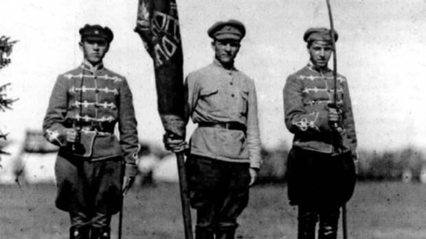 Почему венгры помогали большевикам устанавливать советскую власть в России?