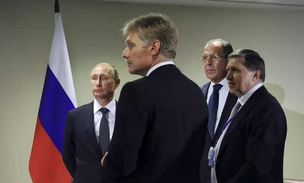 «С Россией такое лучше не повторять»: эксперт объяснил последствия отключения страны от SWIFT