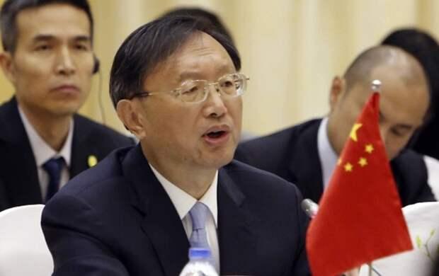 Пекин призвал США не вмешиваться во внутренние дела Китая