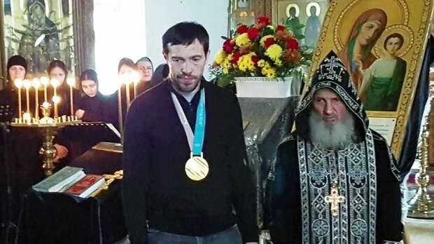 Дацюк отдал свои медали в монастырь, где избивали детей. Олимпийский чемпион попал под влияние схиигумена Сергия