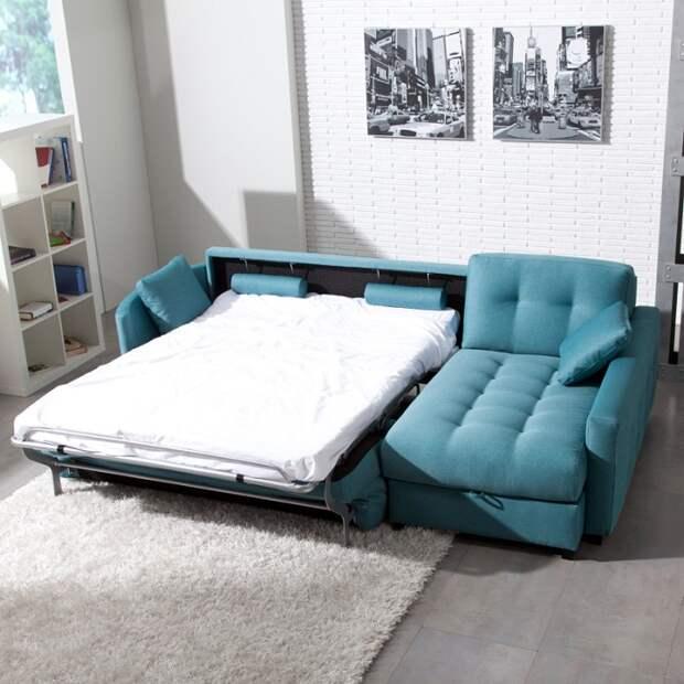 На диване с матрасом удобно спать. / Фото: berkem.ru