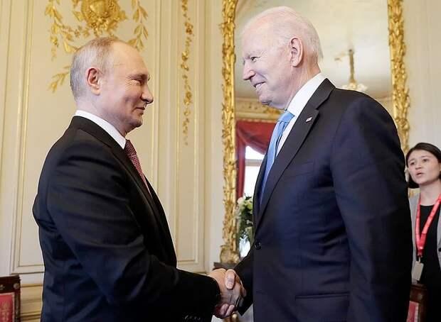 Появилось видео рукопожатия Путина и Байдена в Женеве