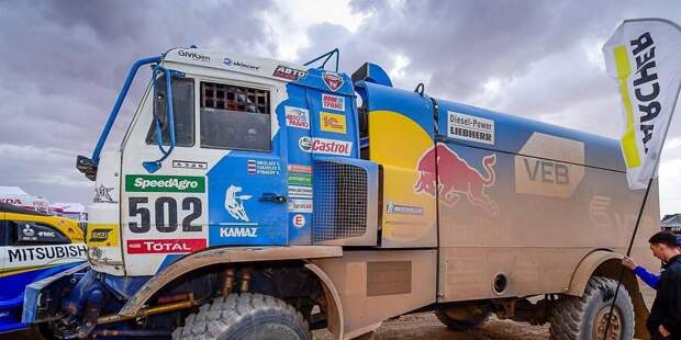 Экипаж Николаева не остановила поломка в «Дакаре»