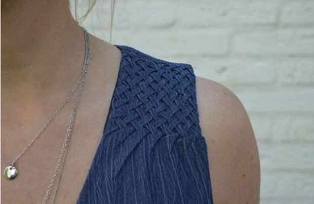 Джинсовое платье с буфами
