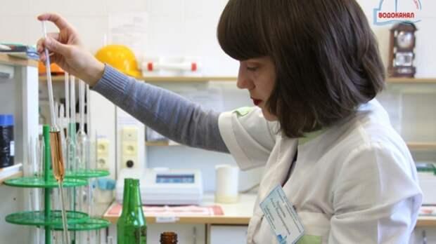 ВРостовском водоканале объяснили причиныболотистого цвета воды из-под крана