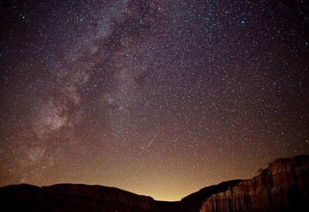 Над Кипром что-то взорвалось, возможно метеорит