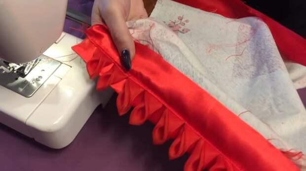 Остатки вуали мастерица переделала в прелестную вещицу