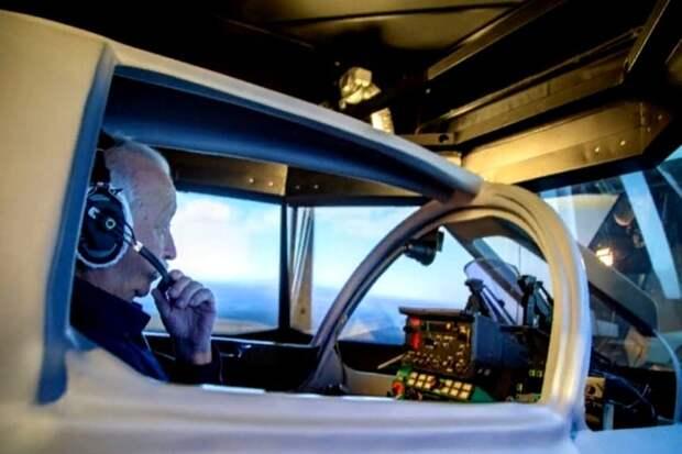 Якубовича научили управлять истребителем-перехватчиком МиГ-31