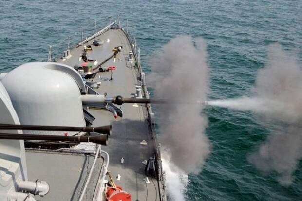 СМИ: российские корабли открыли стрельбу по направившимся к Крыму кораблям НАТО