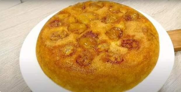 Рецепт воздушного пирога с бананами на сковородке, тесто для которого готовится с одним яйцом