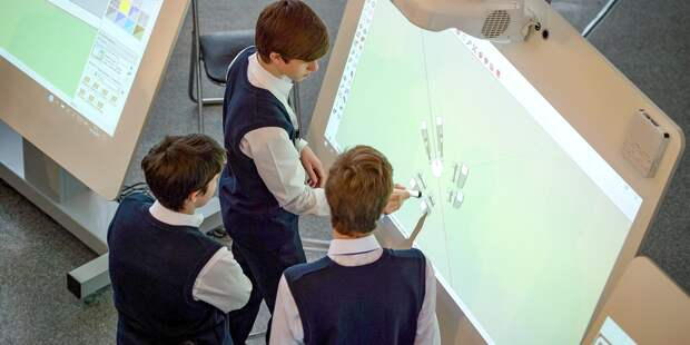 Школьники попробуют себя в роли пилотов в рамках экскурсий по МАИ