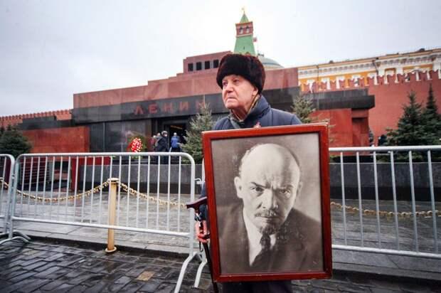 Миллиард за Ленина: появится ли мавзолей в США?