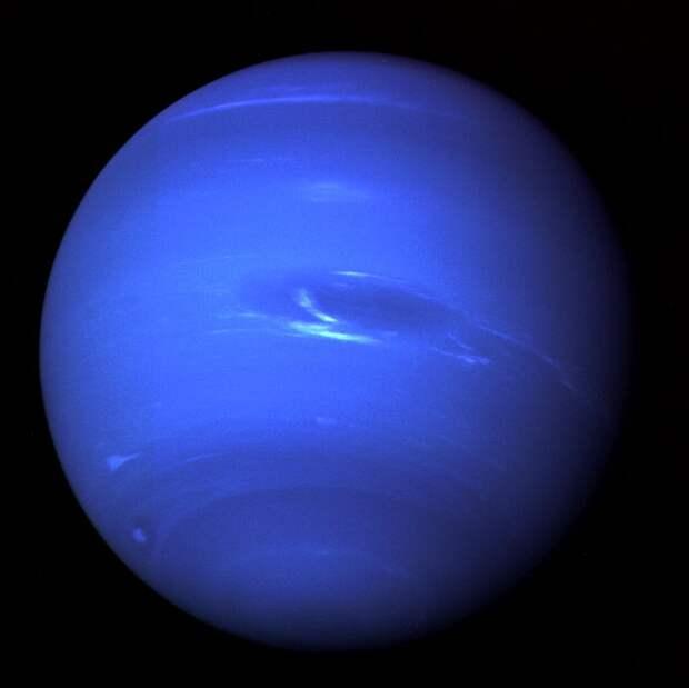Уран оказался еще более странной планетой
