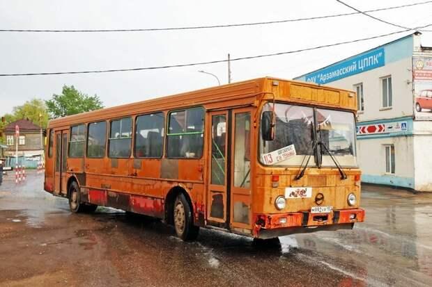 Экс-школьный ЛиАЗ-5256.25-11 из Мосгортранса Арзамас, ЛиАЗ 677, автобус, автомир, лиаз, общественный транспорт, ретро техника