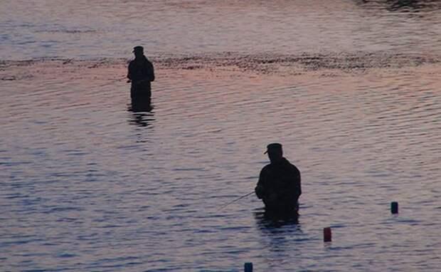 Пьяный рыбак на матрасе утонул в 100 метрах от берега
