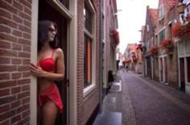 «Квартал красных фонарей» в Амстердаме может сменить прописку