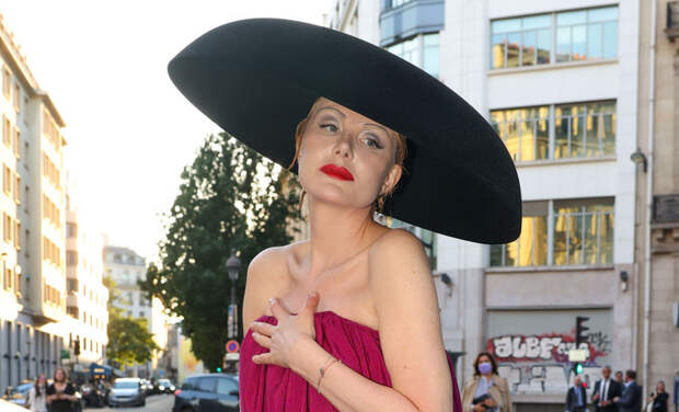 """""""Ее звали мечтой"""": 6 образов Ренаты Литвиновой во время Недели моды в Париже"""