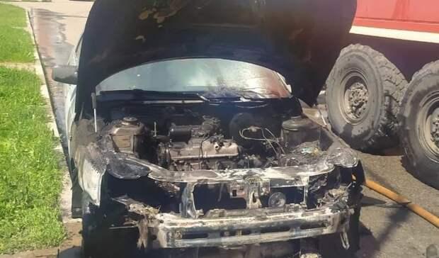 Наулице Машковцева вБелгороде загорелась припаркованная машина