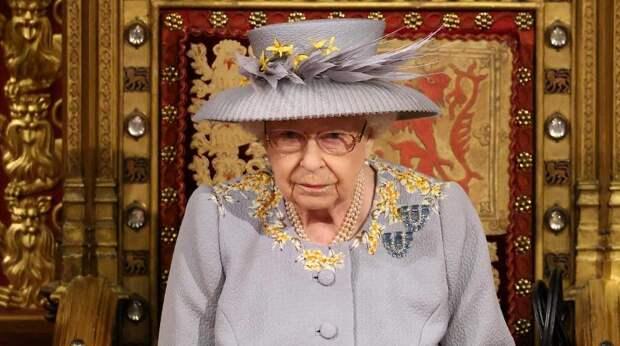 Новый скандал в Британии: Елизавета II засекретила детали завещания покойного мужа