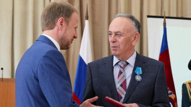 Губернатор Алтайского края наградил медиков орденами и медалями
