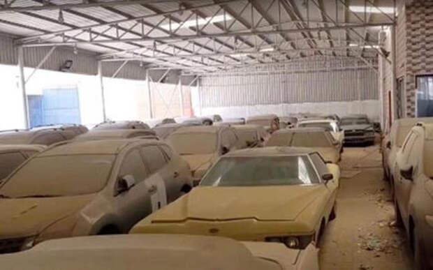 На автомобильном кладбище в Эмиратах гниют тысячи роскошных автомобилей
