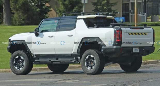 GMC Hummer EV появился на тестах с аксессуарами