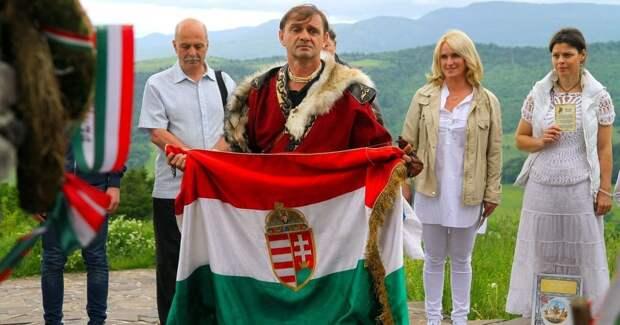 Украинцы не являются агентами влияния на крайнем западе страны, а поэтому местное население Закарпатья...