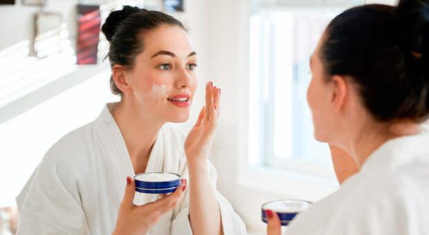Старение откладывается: дерматологи рассказывают, как сохранить кожу молодой надолго