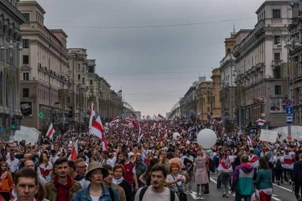 Политолог сообщает о готовящемся в Минске столкновении