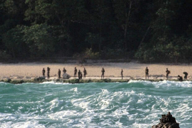 Что происходит на самом загадочном в мире острове