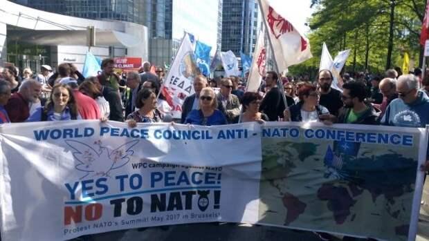 Протесты против НАТО в мире