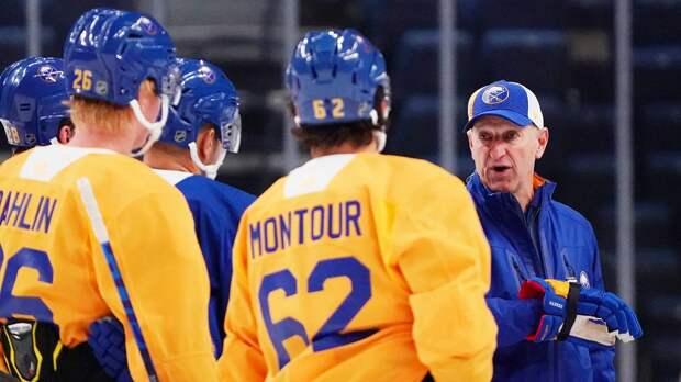 Американский клуб НХЛ провалился с тренером-европейцем. Как «Баффало» стал посмешищем в этом сезоне