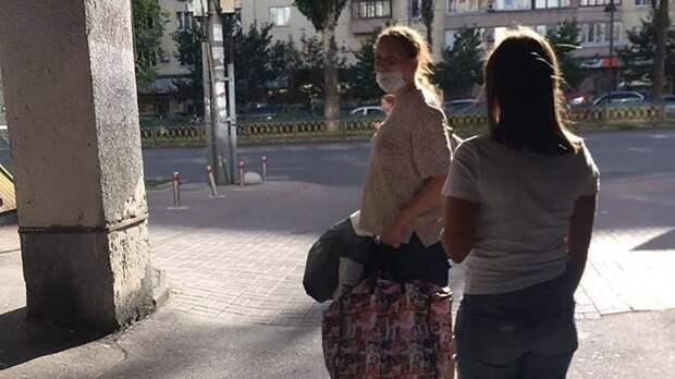 ВКиеве многодетная горе-мать несла новорожденного всумке пожаре ипела колыбельную