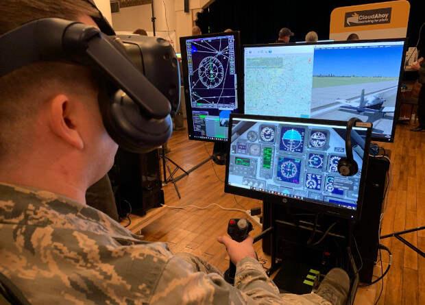 Беспилотные ведомые начнут учиться у летчиков
