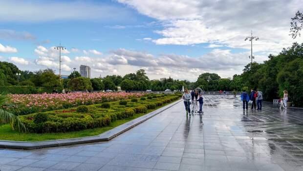 Северный атмосферный фронт принёс в Москву грозы