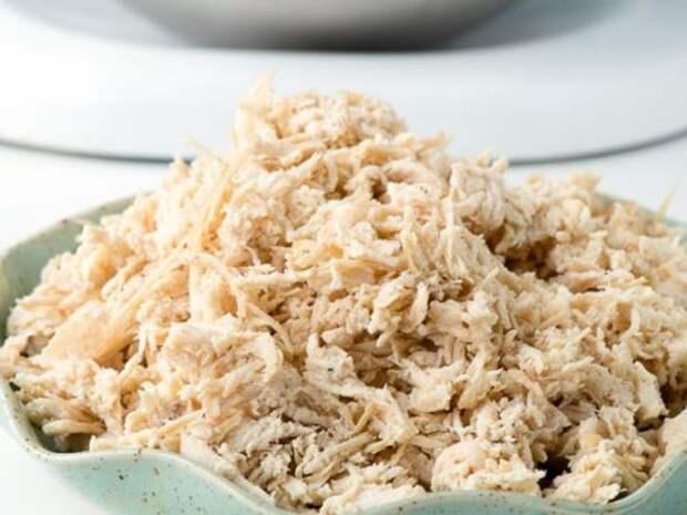 Новогодний салат ″Свинка″: гости не разойдутся, пока не съедят его весь!