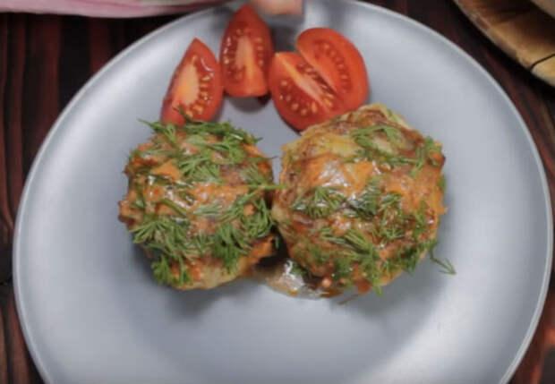 Три картошки, фарш и луковица: готовим тефтели из трех ингредиентов за полчаса