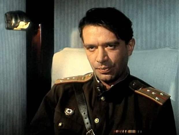 Владимир Машков в фильме *Вор*, 1997 | Фото: kino-teatr.ru
