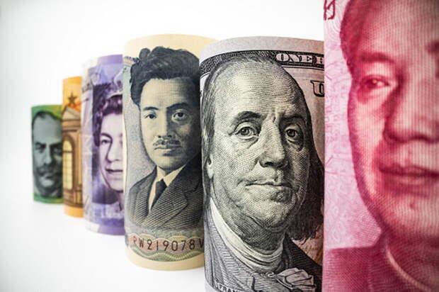 Незаменимых не бывает: доллару и евро нашли альтернативу