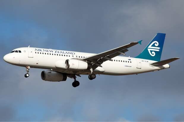 Air New Zealand Airbus A320 Nazarinia-1.jpg