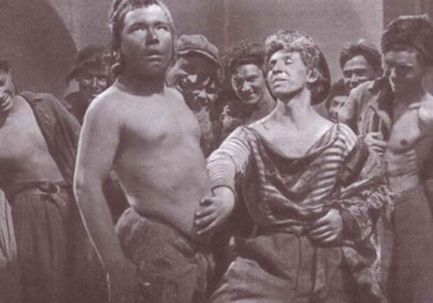 """1 июля 1931 состоялась премьера первого советского звукового фильма """"Путевка в Жизнь""""."""