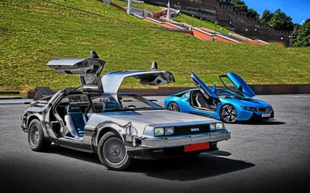 BMW i8 и DeLorean DMC-12 — вперед в будущее