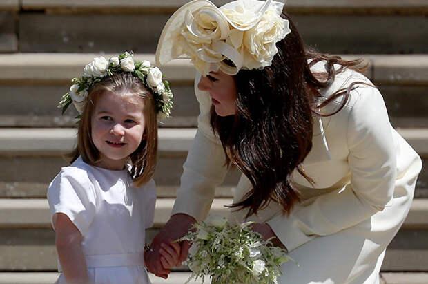 Кейт Миддлтон и принц Уильям поделились новым портретом принцессы Шарлотты в честь ее дня рождения