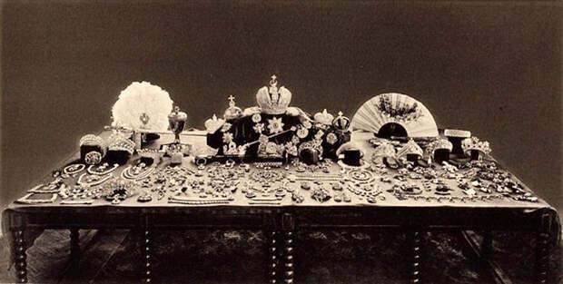 Куда исчезли драгоценные тиары Романовых после 1917 года? (ФОТО)
