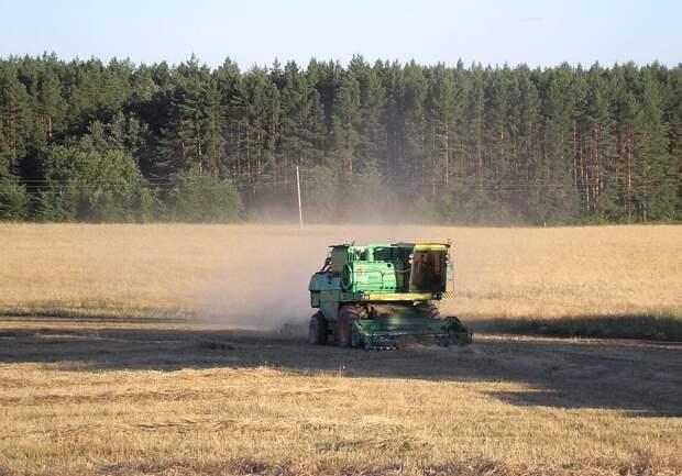 В Крым поставят новую сельхозтехнику для сбора урожая