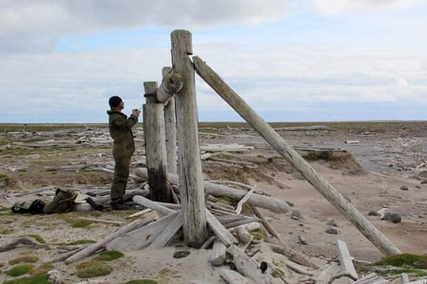 Поморские кресты на острове Матвеев