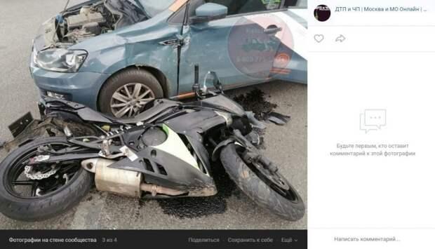 Водитель каршеринга не заметил мотоциклиста на Зеленоградской