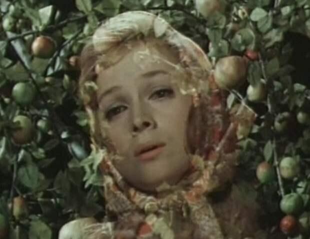 Яблонька - Новогодние приключения Маши и Вити (1975)