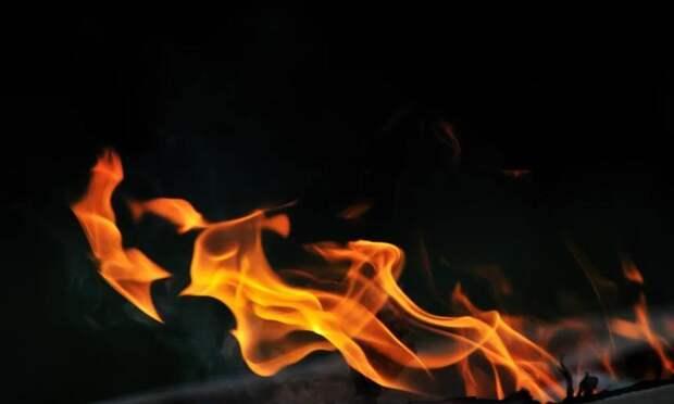 Ночью вСеверодвинске произошло два пожара внежилых аварийных домах