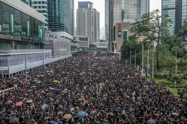 Уличная демократия. Власть толпы. Народные «гуляния». Народ правит?